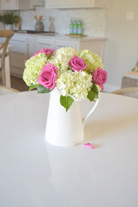 Chic Yet Fun Valentines Table Scape + DIY Placemats