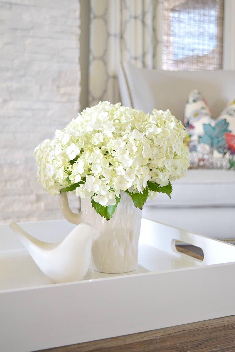 happy hydrangea white