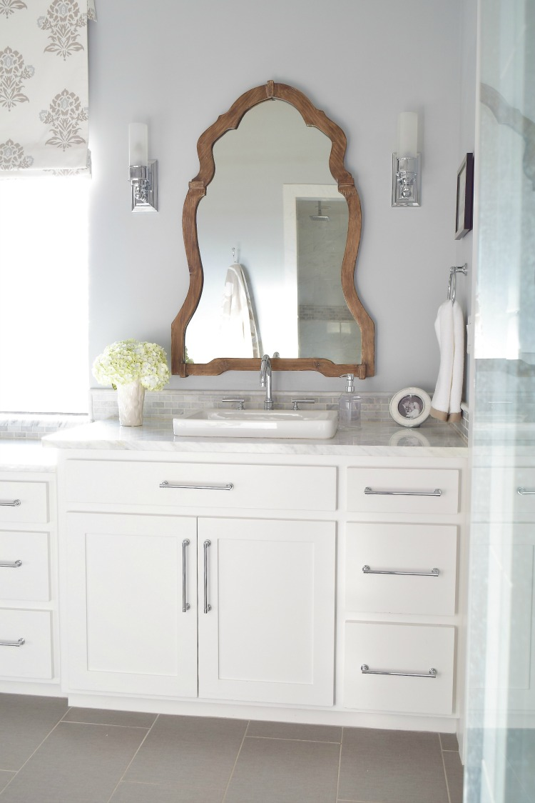 white bathroom carrara marble wooden mirror silver lake paint