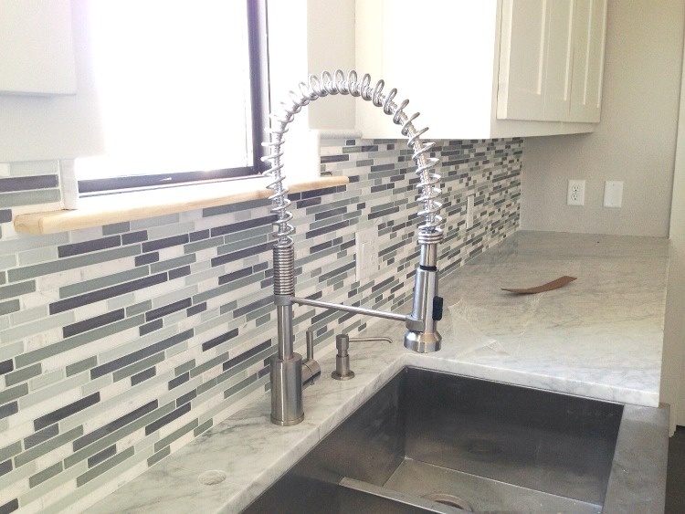 Glass and marble mosaic backsplash3