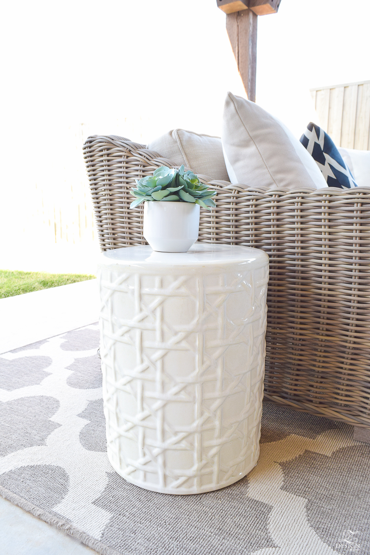 White outdoor latice Garden Stool Styling tips-1