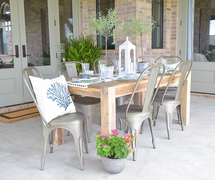 outdoor dining and entertaining area-5