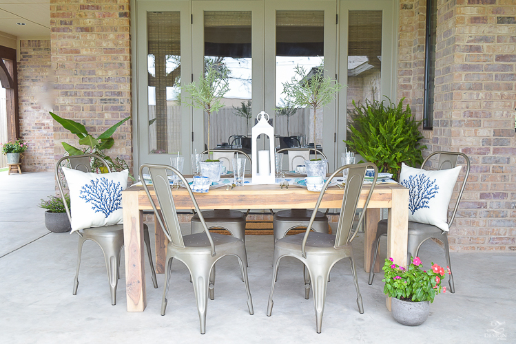 outdoor dining and entertaining area