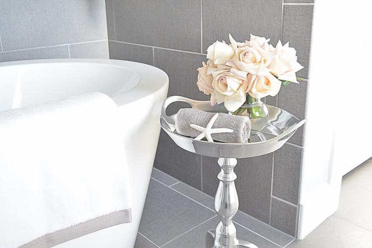 free standing tub transitional neutral bathroom benjamin moore silver lake-1-2