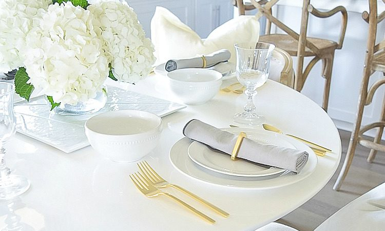white summer table scape