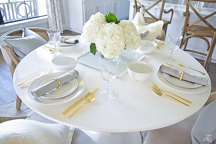 ZDesign Simple Summer White Table Scape-1