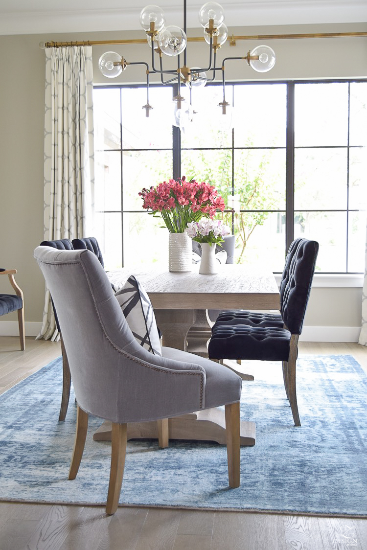 transitional modern dining room