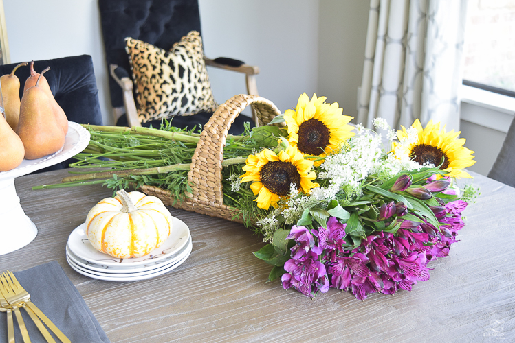 diy-fruit-and-flower-centerpiece-chic-fall-decor-1