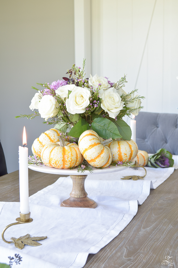 easy-fall-pumpkin-centerpiece-white-linen-table-runner-brass-leaf-candlesticks-dining-room-1