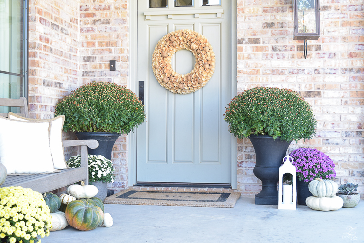 fall-front-porch-fall-flowers-mums-black-planters-mission-style-door-sherwin-williams-exterior-paint-color-mortor-washed-brick-outdoor-bench-monogrammed-coir-door-mat-15