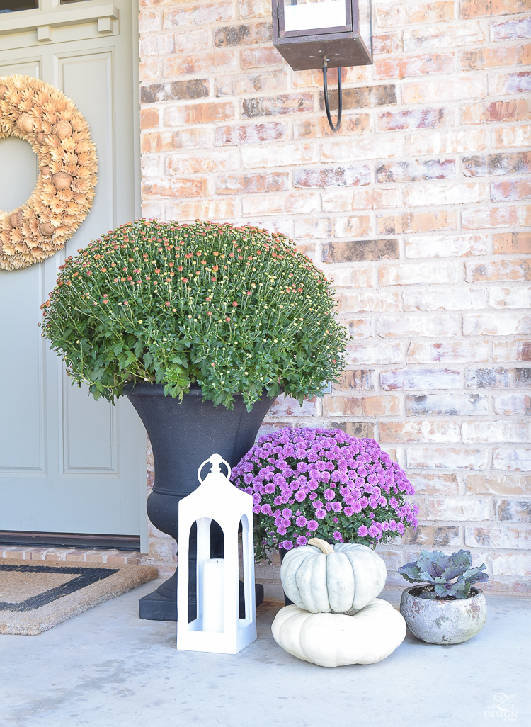 fall-front-porch-fall-flowers-mums-black-planters-mission-style-door-sherwin-williams-exterior-paint-color-mortor-washed-brick-outdoor-bench-monogrammed-coir-door-mat-3