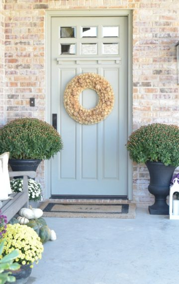 5 Tips for a beautiful fall front porch + a tour