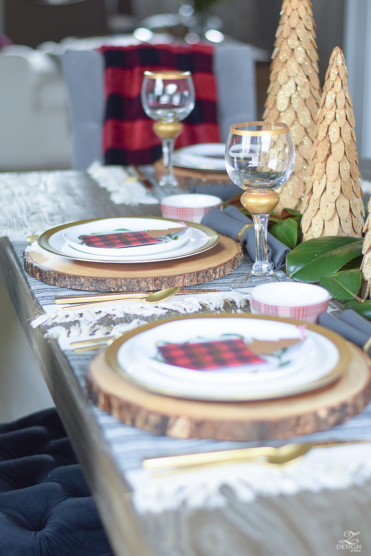 christmas-home-tour-christmas-place-setting-black-and-white-fringed-placemats-wood-slice-placemat-merry-christmas-note-cards-1