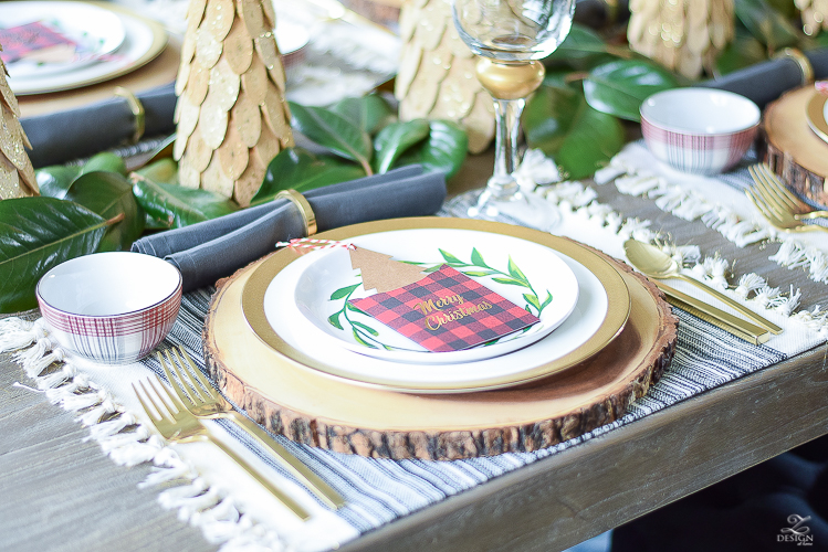 christmas-home-tour-christmas-place-setting-black-and-white-fringed-placemats-wood-slice-placemat-merry-christmas-note-cards-3