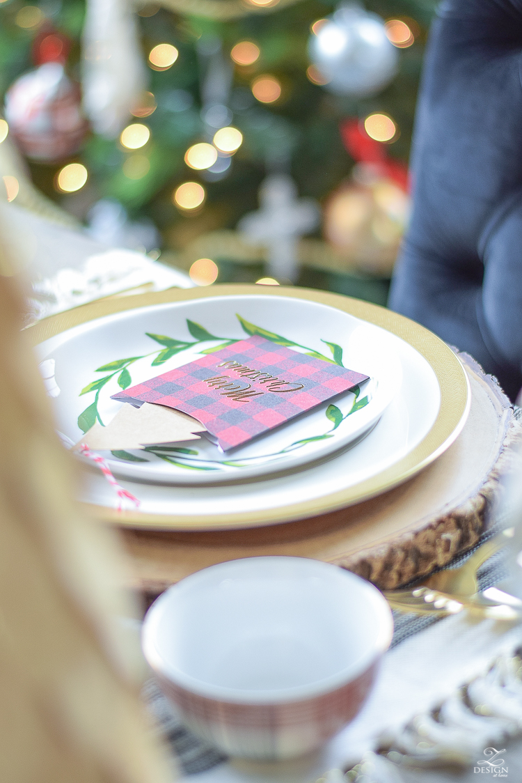 christmas-home-tour-christmas-place-setting-black-and-white-fringed-placemats-wood-slice-placemat-merry-christmas-note-cards-4