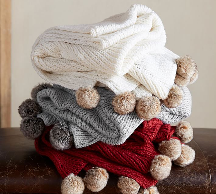 faux-fur-pom-pom-knitted-throw-o-3