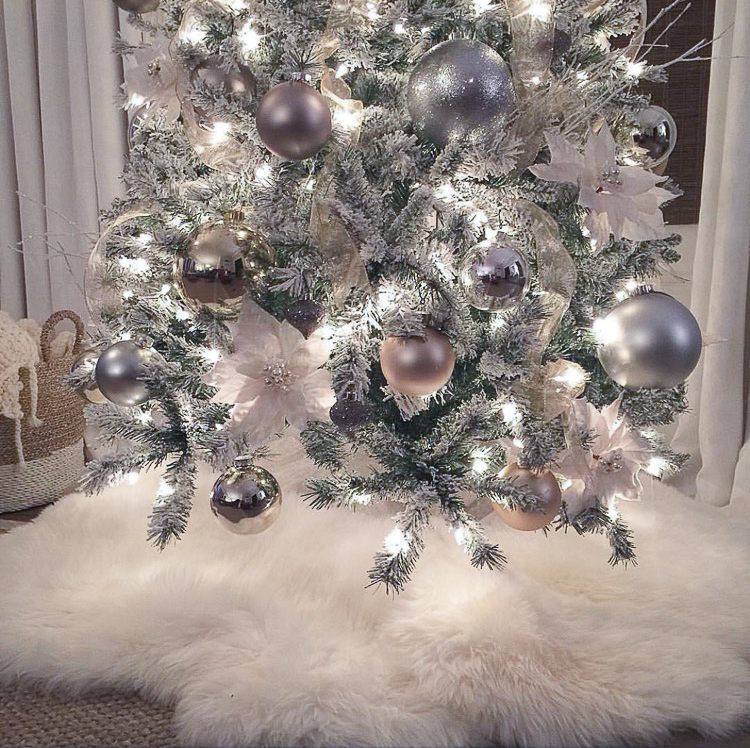 transitional-modern-christmas-decor-flocked-christmas-tree-modern-white-christmas-tree-2015-2