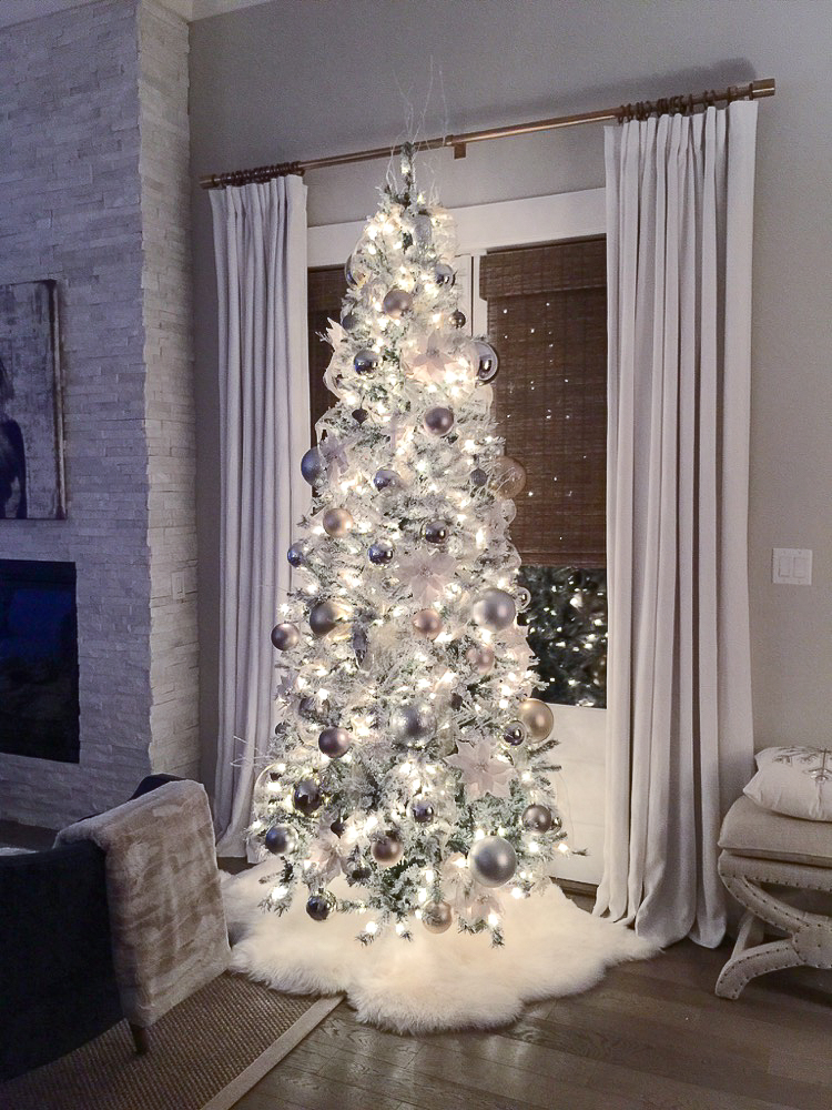 transitional-modern-christmas-decor-flocked-christmas-tree-modern-white-christmas-tree-3