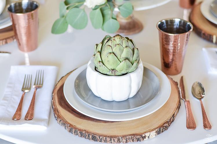 wood-slice-place-mat-white-tulip-table-copper-flatware-copper-tumbler-white-modern-farmhouse-kitchen-thanksgiving-entertaining-table-scape-6