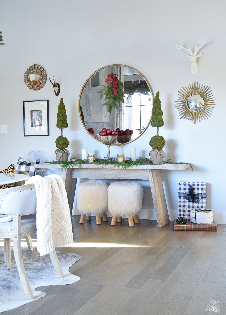 christmas-home-tour-round-gold-mirror-christmas-styling-decor-white-tulip-table-natural-garland-1