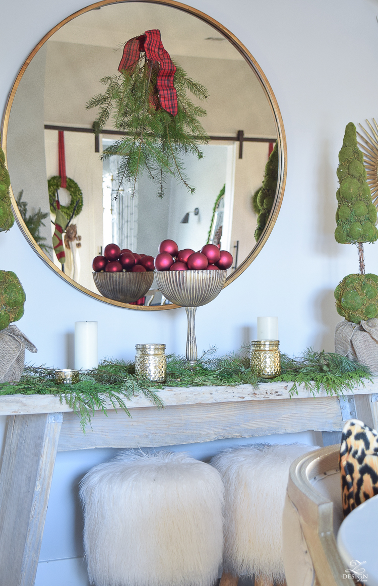 christmas-home-tour-round-gold-mirror-christmas-styling-decor-white-tulip-table-natural-garland-3