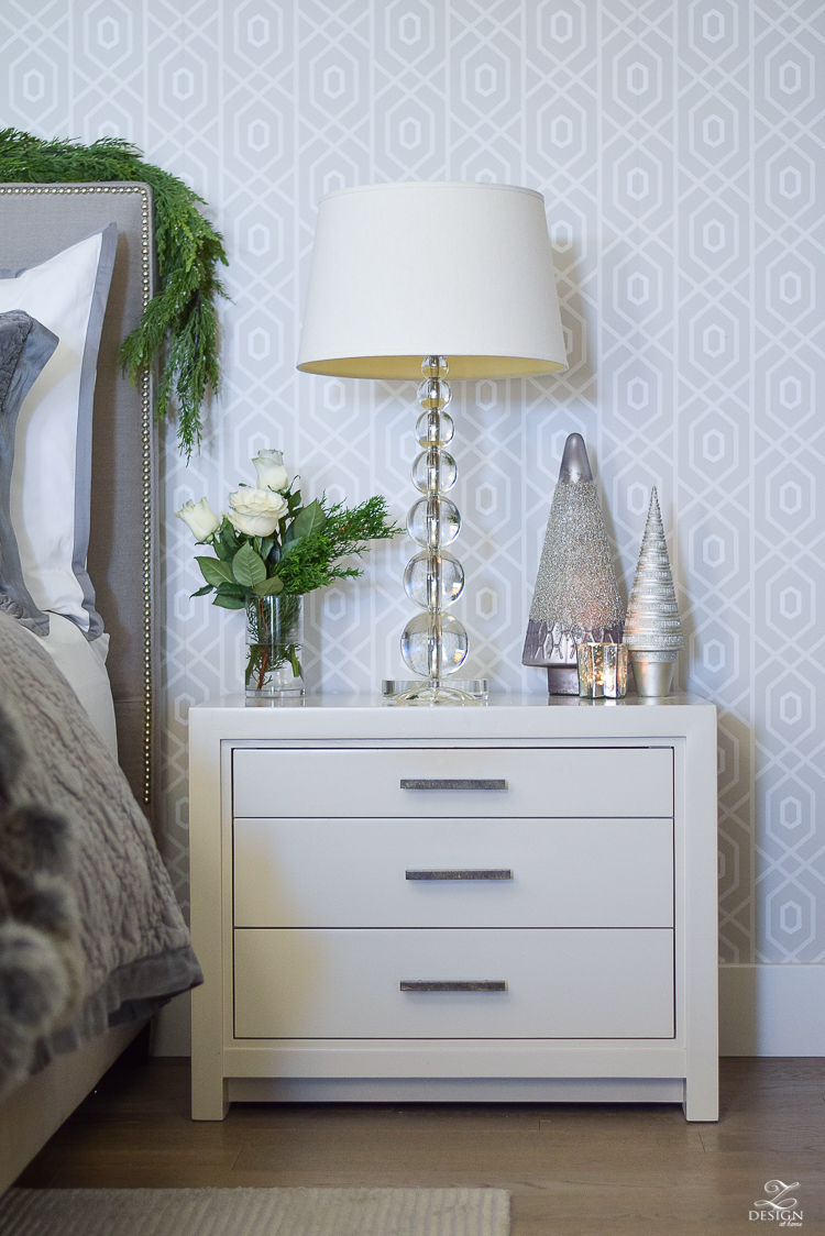 christmas-home-tour-white-roses-with-juniper-christmas-in-the-bedroom-geometric-wallpaper-2