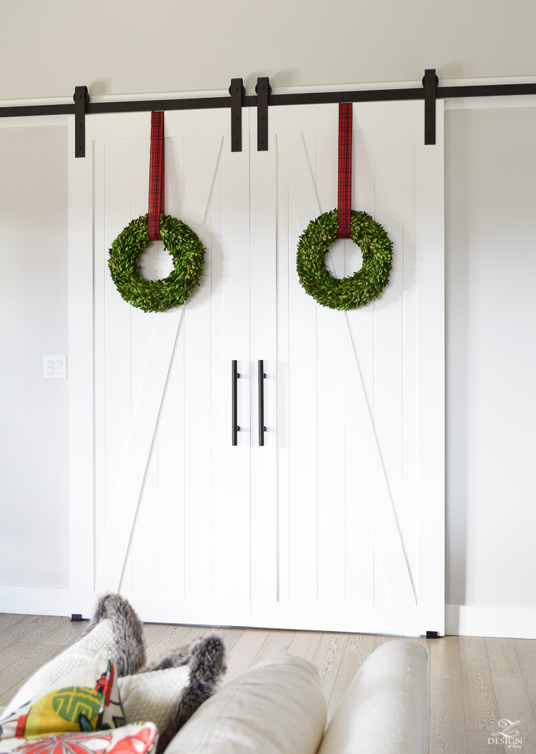 rtisan-hardware-barn-doors-with-christmas-wreath-z-barn-door-1