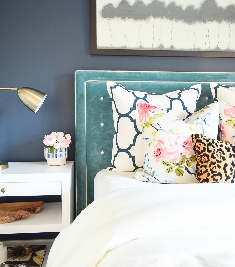 6 Beautiful Ways to Decorate with Velvet