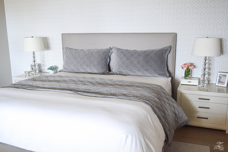 6 easy steps for making a beautiful bed zdesign at home for King shams on queen bed