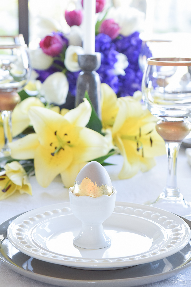 elegant moder easter table scape chic easter decor linen table cloth and napkins easter egg holders-6