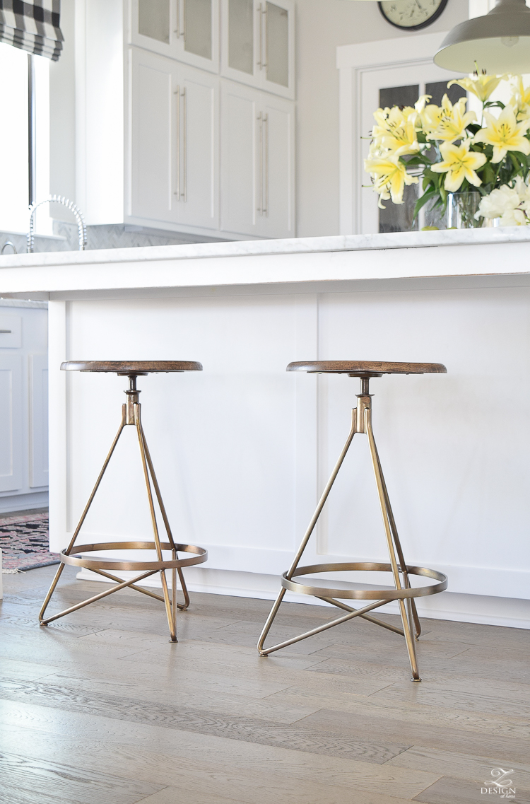 It certainly makes a stool more comfortable when there is a spot for your weary feet to rest. Brass swivel barstool ... & The Best Modern Farmhouse Bar Stools ( + an update on mine ... islam-shia.org