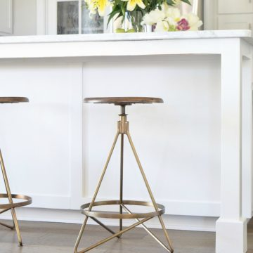 The Best Modern Farmhouse Bar Stools-2