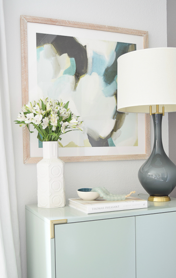 5 Simple Tips for Decorating with Coffee Table Books (+ A Round-Up)
