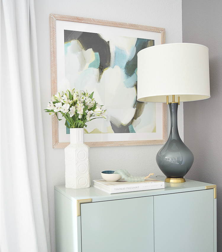 5 Simple Tips For Decorating With Coffee Table Books (+ A