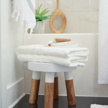The Best Way to Fold A Bath Towel + The Best Hotel Bath Towels & Shower Curtain