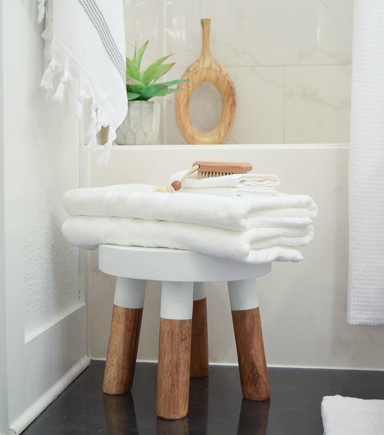 The Best Way to Fold A Bath Towel + the Softest Hotel Bath Towels