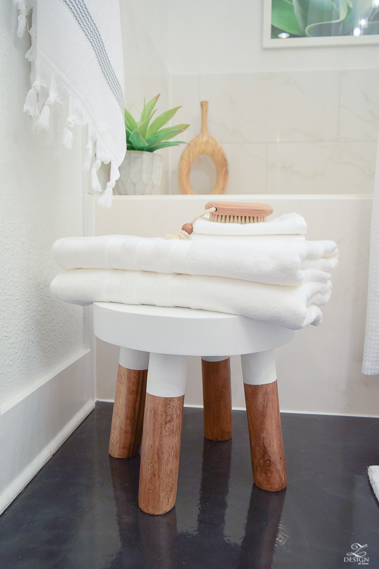 The Best Way To Fold A Bath Towel + The Softest Hotel Bath