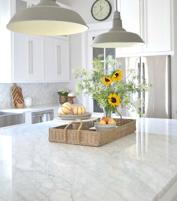 Ordinaire The Pros U0026 Cons Of Marble Countertops + What I Use To Clean Mine   ZDesign  At Home