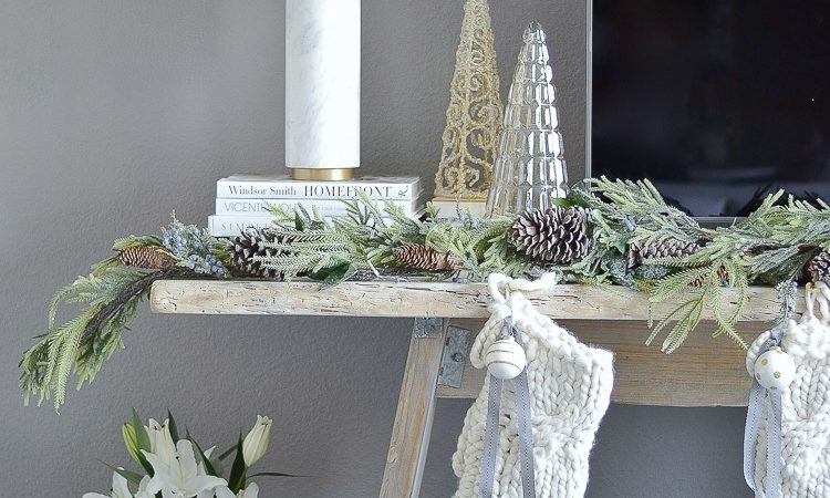 ZDesignAtHome Boho Glam Christmas Living Room + Easy Decorating Ideas for the Holidays