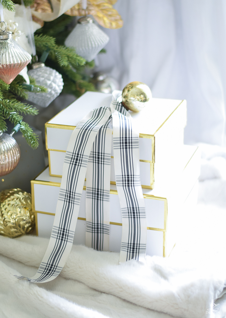 Beautiful modern gift wrap + christmas tour of a boho glam living room (and the best faux fur tree skirt)