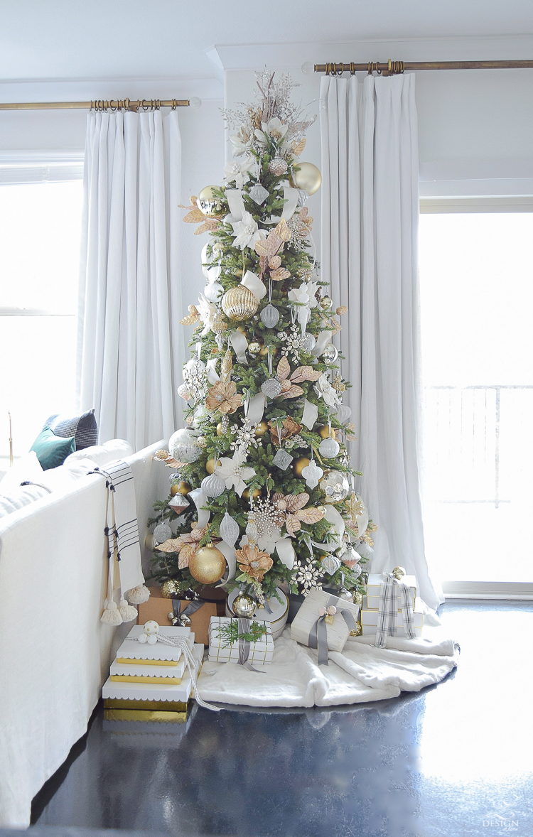 white and gold glam christmas tree + tips for easy holiday decorating