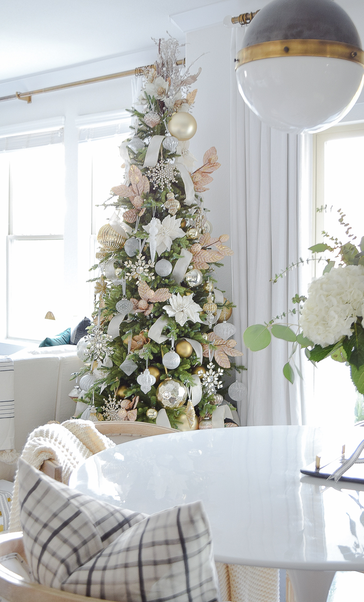 White and gold boho glam christmas tree + tips for easy holiday decorating