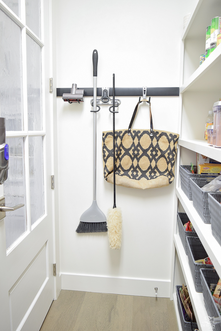 Tips and Ideas to keep your pantry and kitchen organized and neat