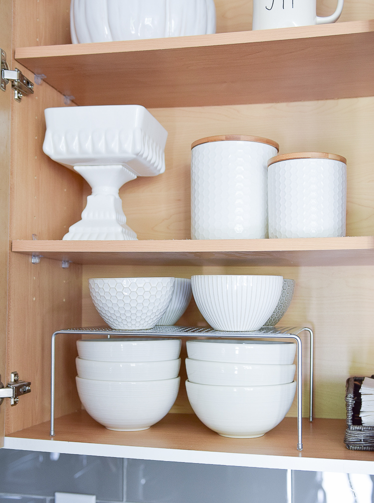 Best Way To Organize Dishes In Kitchen Cabinets