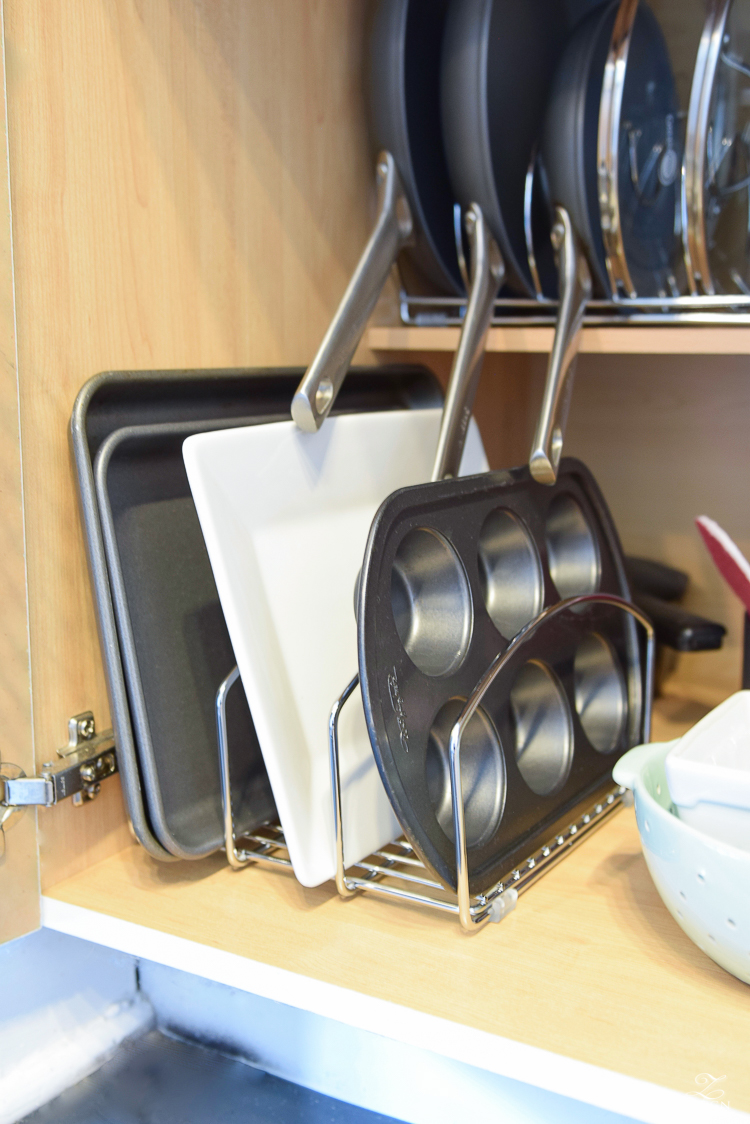 This 3-slot organizer helps to organize sheet pans and other larger kitchen pieces