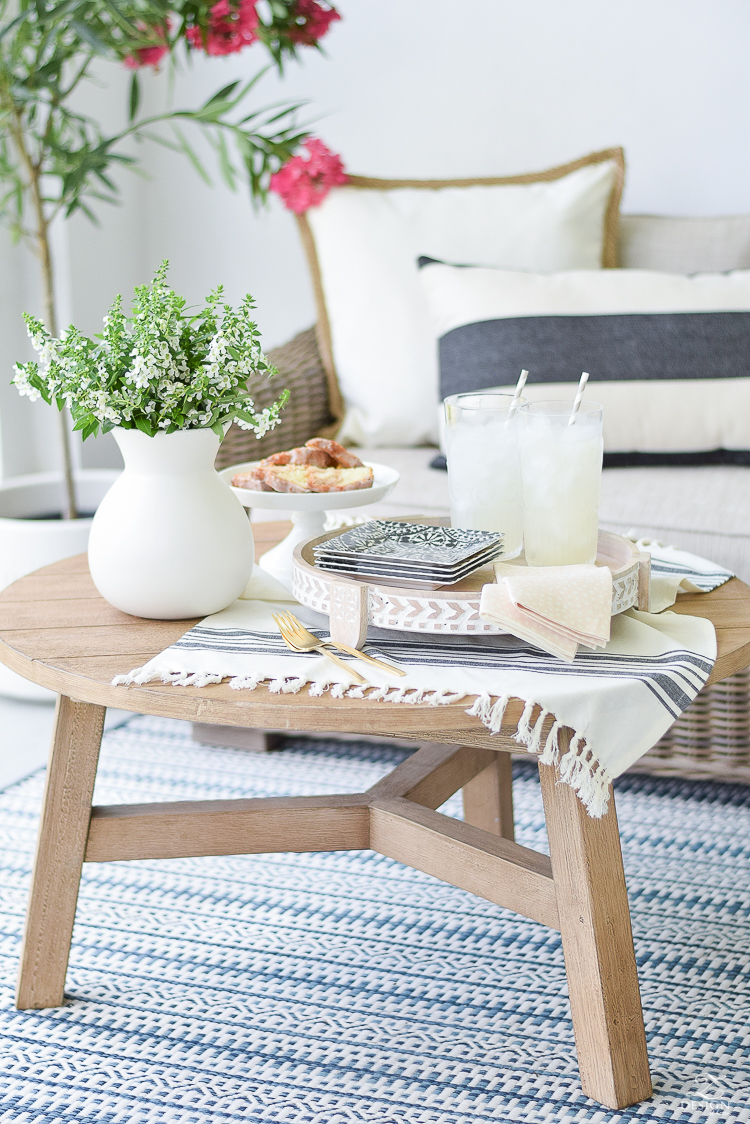 Styled + Set Entertaining Tour - Simple patio brunch for two