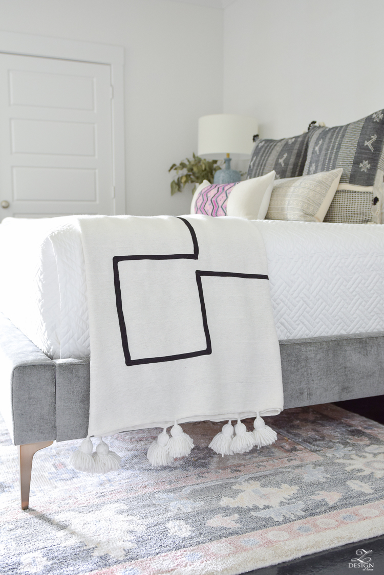 One room Challenge - Week 5 - bedding & pillows