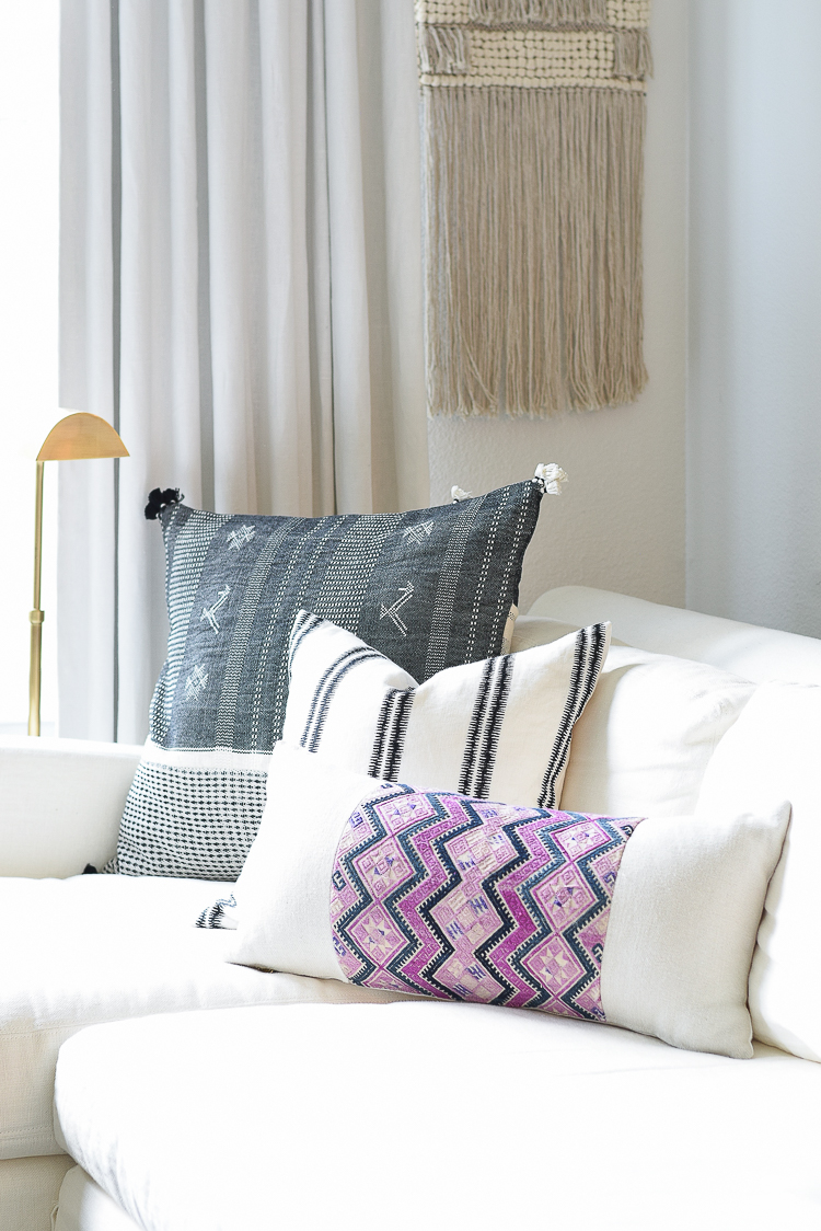 Black/White boho Pillows for simple summer decorating