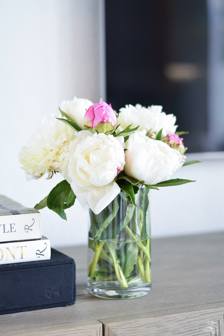 using white & pink peonies for summer decorating