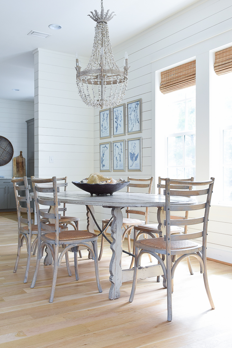 Coastal dining room in 30A florida - home for rent